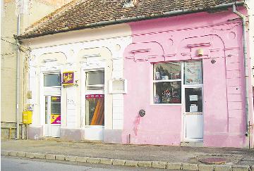 In 2012, Casa Zovanyi din Zalau va reveni de la kitsch la culori de imobil istoric