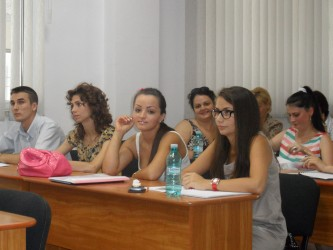 Zeci de masteranzi au absolvit la UVVG Arad – Filiala Zalău