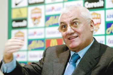 """Dumitru Dragomir: """"Nu contează dacă Dinamo se face de râs şi ia 6-7 goluri, doar joacă împotriva Barcelonei"""""""