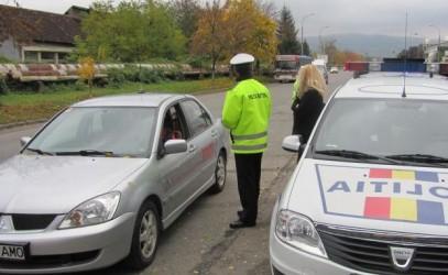 În trafic, cu permisul suspendat