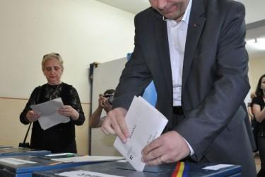 Numărătoarea electorilor continuă
