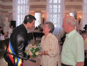 """""""Nuntă de aur"""" pentru 40 de cupluri din Zalău"""
