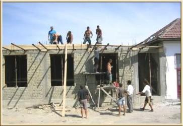 """Domeniul construcţiilor, fruntaş în munca """"la negru"""""""