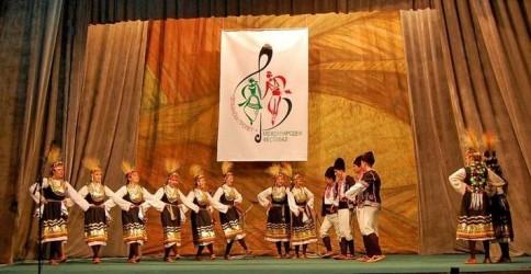 """Regal al cântecului, dansului şi portului popular la Festivalul """"Ecouri Meseşene"""""""