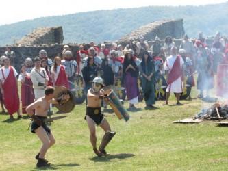 «Porolissum Fest» a atras la castrul roman peste 1.000 de turişti într-o singură zi