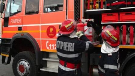 Autobasculantă în flăcări la Poarta Sălajului