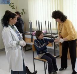 Vaccinarea elevilor – transferată la medicii de familie