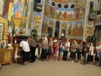 Credincioşii din Zalău s-au închinat la racla sfântului Grigore Decapolitul