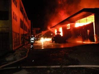 Incendiu uriaş la fabrica de mobilă Cesimex Cehu Silvaniei