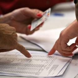 Zeci de sălăjeni decedaţi, găsiţi în listele electorale