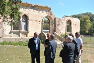 Castelul din Treznea, între demolare şi restaurare