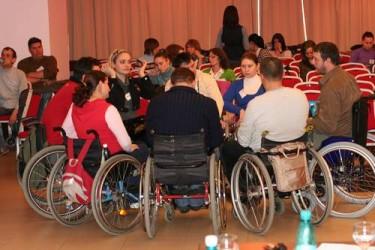 Persoanele cu dizabilităţi nu pot solicita locuinţe sociale