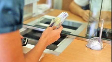 Protecţia Consumatorilor Sălaj continuă războiul cu băncile în instanţă