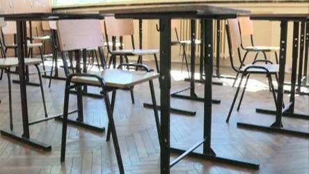 Cinci şcoli nu au primit încă mobilierul pentru clasa pregătitoare