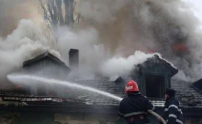 Au început incendiile din cauza coşurilor de fum!