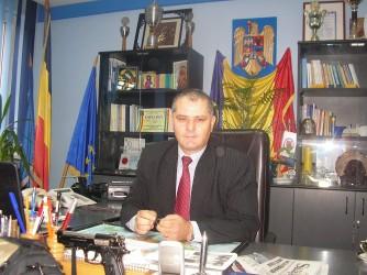 """Şeful poliţiştilor sălăjeni, mai bogat """"cu opt locuri"""" faţă de 2010"""
