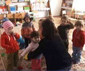 Copiii îndură frigul în şcolile şi grădiniţele din Zalău