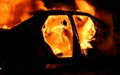 Maşină distrusă de flăcări la Someş Odorhei