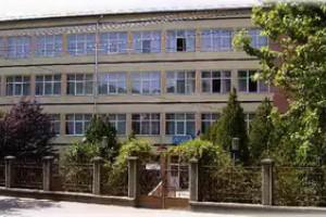 """Laborator de pneumatică la """"Mihai Viteazul"""""""