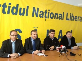 Pentru a câştiga colegiul Şimleu, liberalul Dorel Oros cere sprijinul PSD