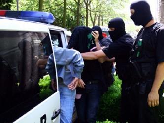 Suspectaţi de evaziune fiscală de peste 3 milioane de euro: evazionişti din Sălaj, săltaţi de mascaţi!