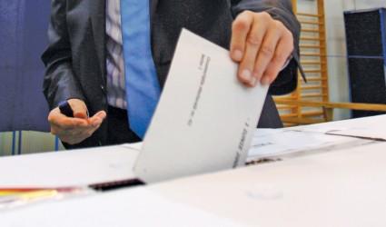 """Potrivit unei simulări, USL Sălaj obţine la """"parlamentare"""" sub 50 la sută"""
