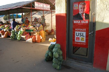 În plină campanie, afişajul electoral din satele sălăjene tinde spre zero