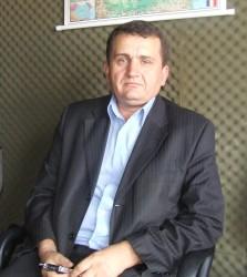 Avram Fiţiu, un candidat cu abilităţi scriitoriceşti