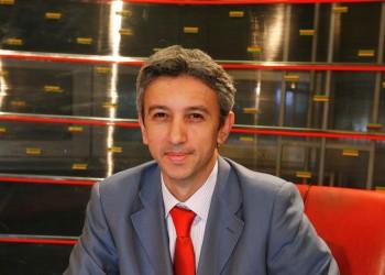 Candidaţii Partidului Poporului Dan Diaconescu pentru Parlament au semnat un angajament de 2 milioane de euro