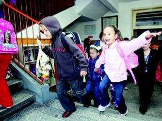 Începe vacanţa pentru preşcolarii şi elevii din clasele primare