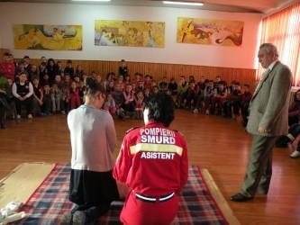"""Elevi ai Şcolii """"Porolissum"""" – învăţaţi să acorde primul ajutor"""