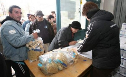 Mii de tone de alimente pentru nevoiaşii judeţului
