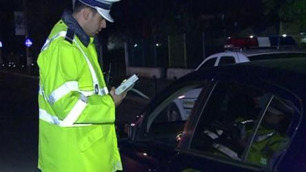 Un şofer beat a tamponat două maşini şi… a fugit