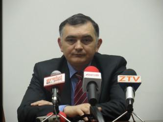 Secretarul de stat în Ministerul Educaţiei, Stelian Fedorca, vrea microbuze şcolare în leasing