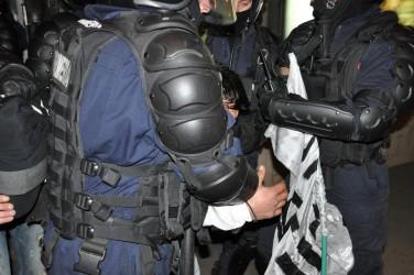 Aflaţi în misiune, un poliţist şi un jandarm şi-au împărţit pumni