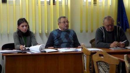 În aşteptarea deciziei Michelin, consilierii din Crişeni stau cu sabia deasupra capetelor