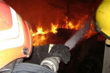 Anexă făcută scrum din cauza coşului de fum