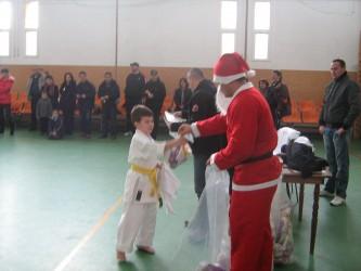 Moşul a venit mai devreme pentru karateka de la CS Omega şi CS Dani-San