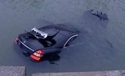 Au plonjat cu maşina în râul Barcău