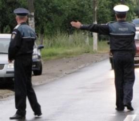 """Şoferi """"premiaţi"""" cu dosare penale"""