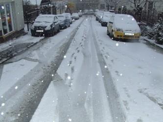 Trafic rutier îngreunat de ninsoare în tot Sălajul