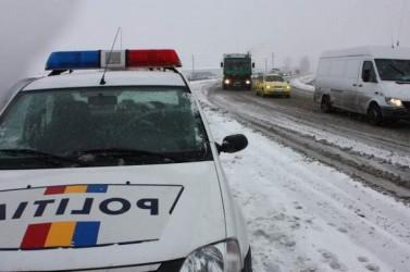 Un şofer vitezoman şi-a băgat pasagerul în spital