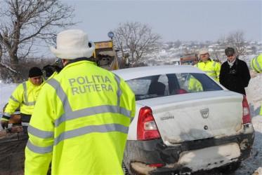 Zăpada, poleiul şi viteza au făcut 10 victime