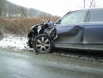 Accident lângă Zalău, din cauza zăpezii
