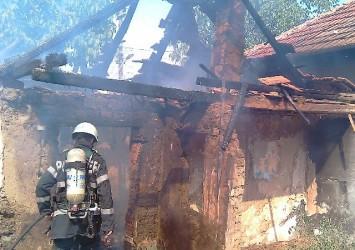 Afumătorie distrusă în incendiu