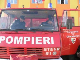 Pompierii sălăjeni, bombardaţi de intervenţii