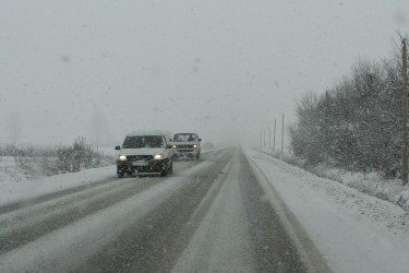 Trafic în condiţii de iarnă pe drumurile din Sălaj