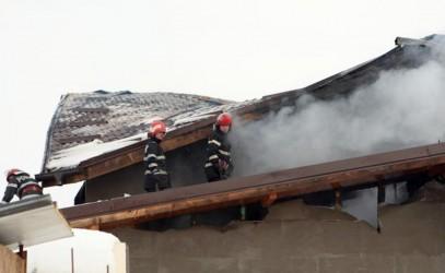 Două incendii în doar o oră