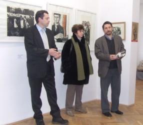 """Despre artă şi comunism, într-o expoziţie la Galeriile """"Ioan Sima"""""""