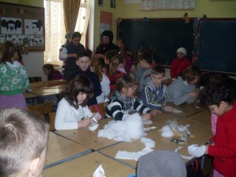 Ateliere meşteşugăreşti la şcoala din Pericei